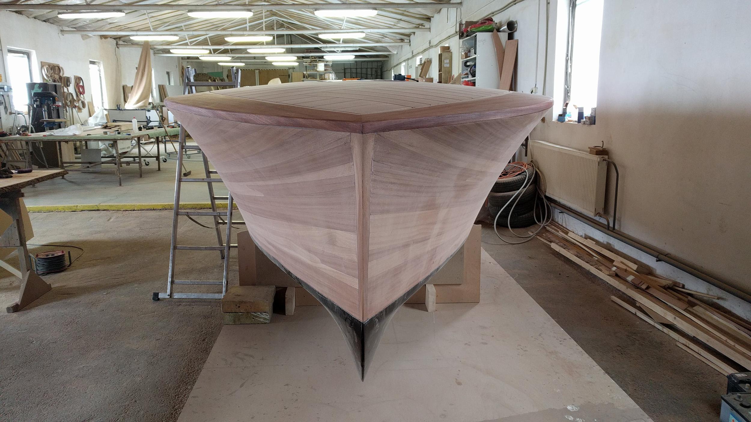 building barrel-back structure in the workshop